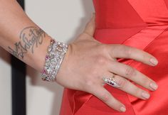 Pink wore Neil Lane vintage jewelry with diamonds and pink gemstones. Grammy Awards 2014