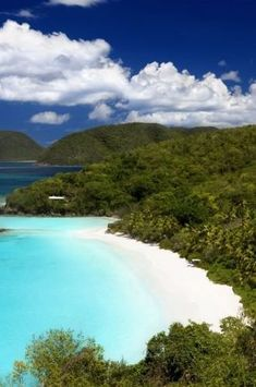 Discover more details on Cruise Ship Norwegian Escape. Have a look at our web site. St Thomas Virgin Islands, Us Virgin Islands, Beaches In The World, Countries Of The World, Southern Caribbean, Caribbean Honeymoon, Us Destinations, Natural Scenery, Strand