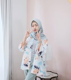 Outer by 💕 Dressy Casual Outfits, Casual Hijab Outfit, Ootd Hijab, Hijab Chic, Modest Outfits, Stylish Outfits, Fashion Outfits, Hijab Fashion Summer, Street Hijab Fashion