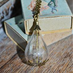 Wishes: Real Dandelion Seed Mini Teardrop bottle Vial Necklace - Childhood Memories Jewelry Findings, Jewelry Sets, Dandelion Seeds, Resin Jewellery, Mini Bottles, Botanical Flowers, Organza Gift Bags, Bronze, Pendant