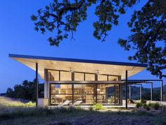 A Contemporary California Home Finds Its Place Among Rolling Hills