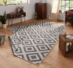 Malta Black/Cream Reversible Rug bougari Rug size: Rectangular 120 x Sisal, Grey And Cream Rug, Black Cream, Black White, Malta, Grey Wooden Floor, Black Interior Design, Courtyards, Textiles