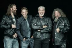 Sons of Anarchy Ryan Hurst, Charlie Hunnam, Ron Perlman Mark Boone Junior Sons Of Anarchy Samcro, It Movie Cast, Movie Tv, It Cast, Movie Memes, Los Primates, Katey Sagal, Sons Of Anarchy Motorcycles, Sons
