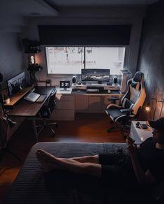 Home Studio Setup, Home Office Setup, Studio Room, Home Office Design, Home Interior Design, Desk Setup, Office Desks, Gaming Setup, Gaming Chair