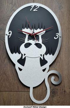 "Horloge murale design et originale "" chat "" inox et métal"