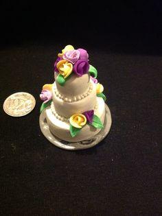 1/12 scale dollhouse wedding cake in polymer clay