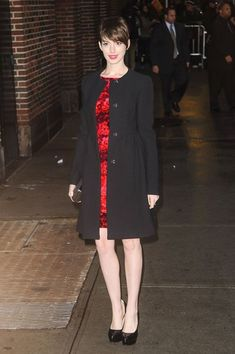 Anne Hathaway Photo - Anne Hathaway Arrives to Tape 'Letterman'