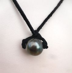 Hey, I found this really awesome Etsy listing at https://www.etsy.com/au/listing/152656005/tahitian-pearl-necklace-genuine-mens