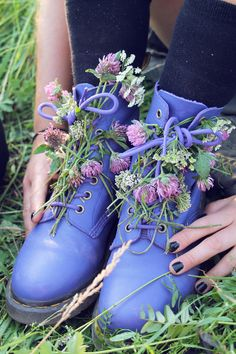 This reminds me of the little art project I did with my blue boots! @Catherine F