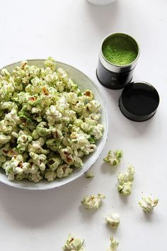 fork and flower: matcha popcorn | This would be even better with Fusion® Matcha (Green Tea) Sea Salt from SaltWorks ! (www.seasalt.com) original source of pinhttp://pinterest.com/pin/381328293426753268/