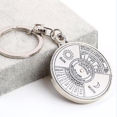 Perpetual Calendar Keyring Keychain Unique Metal Keys Chain Ring Fobs Trinket Ornament Accessories 50 Year Novelty Fashi Jewelry