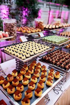 Lavish Traditional and Modern China Wedding Dessert Bar Lavish Traditional and Modern Wedding Day in China – Chris Plus Lynn – Joyce and John Dessert Bar Wedding, Wedding Candy, Wedding Desserts, Mini Desserts, Dessert Buffet, Dessert Bars, Dessert Catering, Catering Display, Catering Food