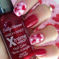 Cute Valentine's nails.