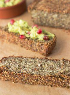 The Body Loving Super Bread - Paleo Diet Gluten Free Recipes, Vegan Recipes, Cooking Recipes, Smoker Recipes, Fast Recipes, Steak Recipes, Pains Sans Gluten, Paleo Bread, Crackers