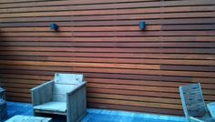 Schutting van horizontale planken