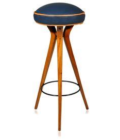 Banqueta alta, década de 50, revestida em couro natural azul com debrum em laranja. Pés em pau-marfim e aro em metal pintado. Fabricação Móveis Ideal.    www.desmobilia.com.br