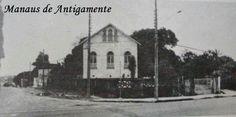 RUA JAPURÁ E JOAQUIM NABUCO - Antigo chalé que ficava na esquina da rua Japurá com Joaquim Nabuco. Demolido no final dos anos 70. Foto de Nonato Oliveira. Atualmente no local funciona uma concessionária de veículos.