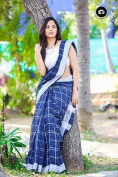 Telugu TV Actress Anasuya Unseen Photo Shoot In Blue Saree 2018 Simple Sarees, Trendy Sarees, Indian Beauty Saree, Indian Sarees, Bengali Saree, Sonam Kapoor, Deepika Padukone, Saree Photoshoot, Photoshoot Ideas