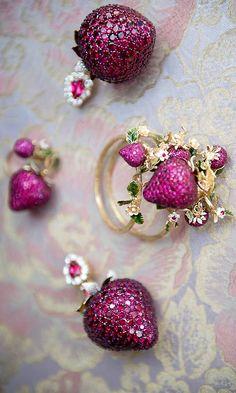 Dolce Gabbana Alta Moda, jewelry Capri Rosemarybabikan.com