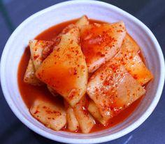 설렁탕 집 사장님께 배운 깍두기 담그는 방법 K Food, Food Menu, Good Food, Easy Cooking, Cooking Tips, Cooking Recipes, Korean Dishes, Korean Food, Food Design
