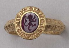Gold with an amethyst with a lion rampant crowned, late… Renaissance Jewelry, Medieval Jewelry, Ancient Jewelry, Old Jewelry, Antique Jewelry, Vintage Jewelry, Vintage Gold Rings, Gold And Silver Rings, Antique Rings