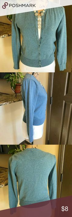 H&M Light Blue Cardigan H&M Light Blue Cardigan  Size Small  Legnth 20 inches  Chest  (armpit to armpit) 14 inches  Lightly worn, great condition H&M Sweaters Cardigans