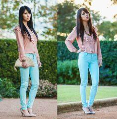 I love her pants