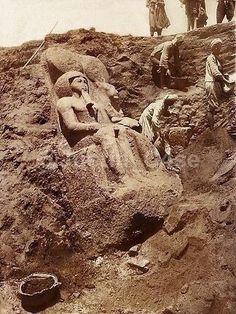 "إكتشافات معبد ""موت"" إحدي معابد مجمع الكرنك - مصر سنه ١٩٣٠م"