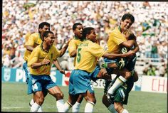 #ClaudioTaffarel  #BrazilianGK 🇧🇷  with #Aldair #Cafu #Viola #MauroSilva #Bebeto #WorldChampions after #penaltyshootout against #Italy  #USA94