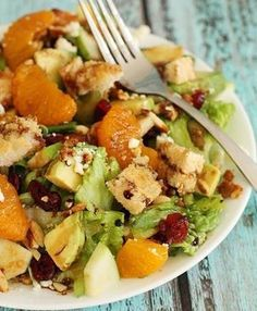 BEST SALAD EVER! This healthy and flavor packed salad will have them begging for more and asking for the recipe. Perfect for holiday meals and dinner parties. Just sub gluten free bread for making croutons Healthy Salads, Healthy Eating, Healthy Recipes, Vegetarian Recipes, Breakfast Healthy, Health Breakfast, Salad Bar, Soup And Salad, Big Salad