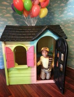 DIY Recycled little tykes play house turn Disney Pixar UP house for photo prop  at a  birthday party