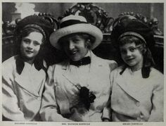 Dolores and Helene Costello with their mother, Mae Costello (married to Maurice Costello Hollywood Walk Of Fame, Old Hollywood, John Drew Barrymore, Barrymore Family, Dolores Costello, Janet Gaynor, Mary Astor, Becoming An Actress, Silent Film Stars