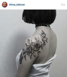Pretty floral shoulder tattoo