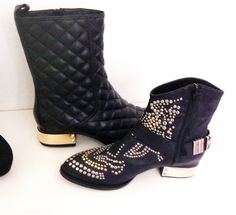 Jeffrey Campbell; These boots are made for walking... PRESLEY & ZHORA http://highlife.com.pl/