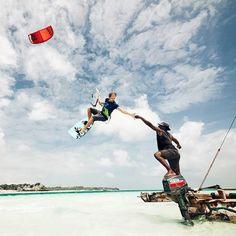 Teamrider Ruben versluis - High five #Brunotti #Brunottistyle #brunottisquadra #Kiteboarden #Zanzibar