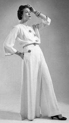 1941 silk Lounging Pajamas by Charles James, via MMA hostess pant suit jumpsuit white pantsuit war era vintage fashion style photo print ad model Charles James, 1940s Fashion, Look Fashion, Vintage Fashion, Womens Fashion, Fashion Design, Edwardian Fashion, Fashion Ideas, Vintage Dresses
