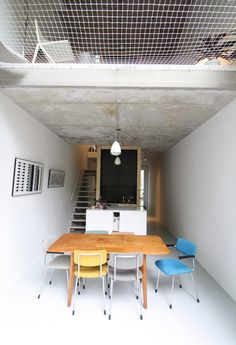 Skinny Rotterdam house for two architects features black brickwork and concealed windows Garage To Living Space, Living Spaces, Home Remodeling Diy, Home Renovation, Black Brick Wall, Brick Walls, Mini Loft, Home Decor Online, Brickwork