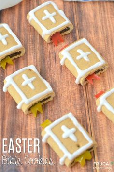 We have the cutest Sunday School Easter treat for your sweet friends - Easter Bible Cookies! These make an adorable Kids Food Craft that is easy and quick to make - no baking! Easter food Easter Bible Cookies with Fig Newtons Easter Snacks, Easter Treats, Easter Recipes, Easter Food, Easter Eggs, Easter Dinner, Easter Party, Kids Food Crafts, Food Kids