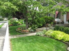 Front Yard Landscaping Design, Pictures, Remodel, Decor and Ideas - page 7