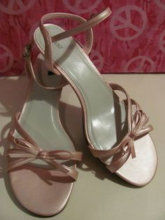 FIONI    WOMENS PINK STRAPPY PUMPS    ANKLE BUCKLE    SIZE 8.5W    BRAND NEW    MINT CONDITION    BEAUTIFUL SHOES    2 IN HEEL    VERY COMFY    SUPER CUTE    WONDERFUL ADDITION    TO YOUR WARDROBE