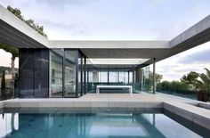 Dream swimming pool / piscine de rêve | More photos http://petitlien.fr/piscinemaisonmoderne