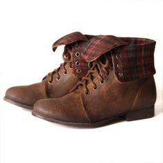 mountain lady  i actually have these shoes except my plaid is blue and grey   cec