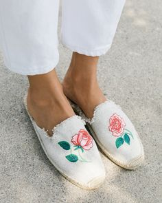 Vogue 125 Embroidered Mule