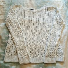 Classic knitted sweater Off white color, beautiful pattern, long sleeve, soft fabric. Very comfortable sweater. In excellent condition ana Sweaters Crew & Scoop Necks