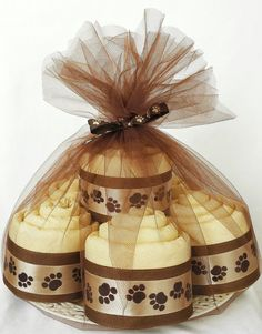 This handcrafted Caramel and Chocolate Brown Pupcake Set is the perfect gift for a puppy! Each Pupcake is fashioned into a cupcake from a single