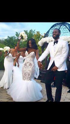 I hate wedding dress but love bridesmaid dress for my wedding day Wedding Goals, Wedding Beauty, Wedding Attire, Dream Wedding, Wedding Dresses, Wedding Tuxedos, Party Dresses, Bridesmaid Dresses, African American Brides