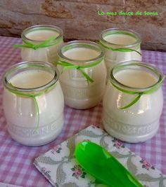 Imagen Pan Relleno, Deli, Glass Of Milk, Mason Jars, Candle Holders, Queso, Recipes, Food, Sierra