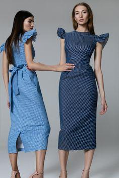 Платье «Кэри» голубое принт горох,  Платье «Кэри» синее принт в горох, Цена— 27990 рублей