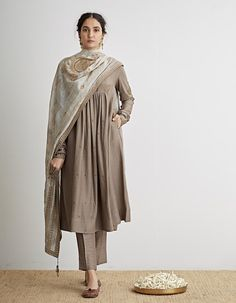 Buy Grey Beige Embroidered Flared Kurta Set by Dhruv Singh Available at Ogaan Online Shop Fashion Designer, Indian Designer Outfits, Designer Dresses, Pakistani Dresses, Indian Dresses, Indian Outfits, Kurta Designs Women, Blouse Designs, Indian Attire