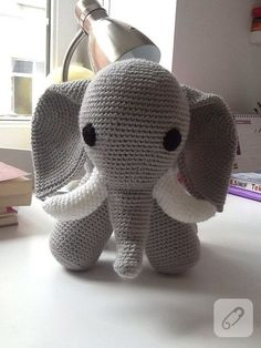 Amigurumi Elefanten machen - Animals and pets Amigurumi Free, Crochet Animal Amigurumi, Amigurumi Patterns, Amigurumi Doll, Crochet Animals, Crochet Toys, Crochet Motifs, Handmade Toys, Crochet Dolls